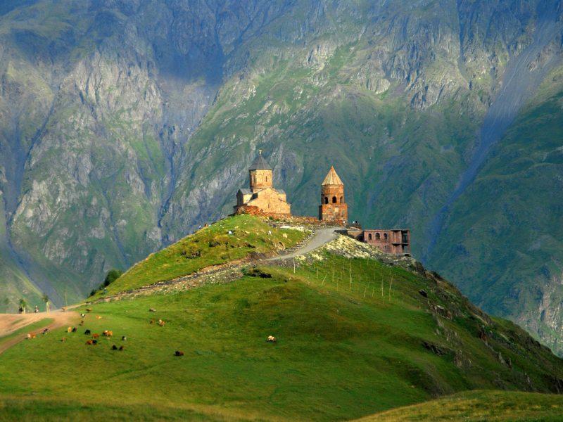 e49025e8-cb90-4c32-aab1-59f391d6a2db-1.-Georiga_Gergeti-monastery_shutterstock_604672433_large